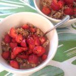 Bulgur mit Schokomilch und Erdbeeren