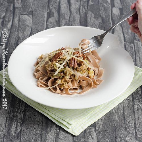Dinkelbandnudeln mit Wirsingkohl von Küchenlatein