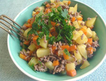 Karotten-Kartoffel-Pfanne mit Faschiertem – mein Spezialtipp