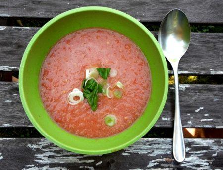 Eine kleine Ode an den Sommer – und eine kühle Gazpacho