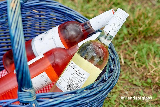 Wein von Winzer Krems kommt in die Glasflache, what else?